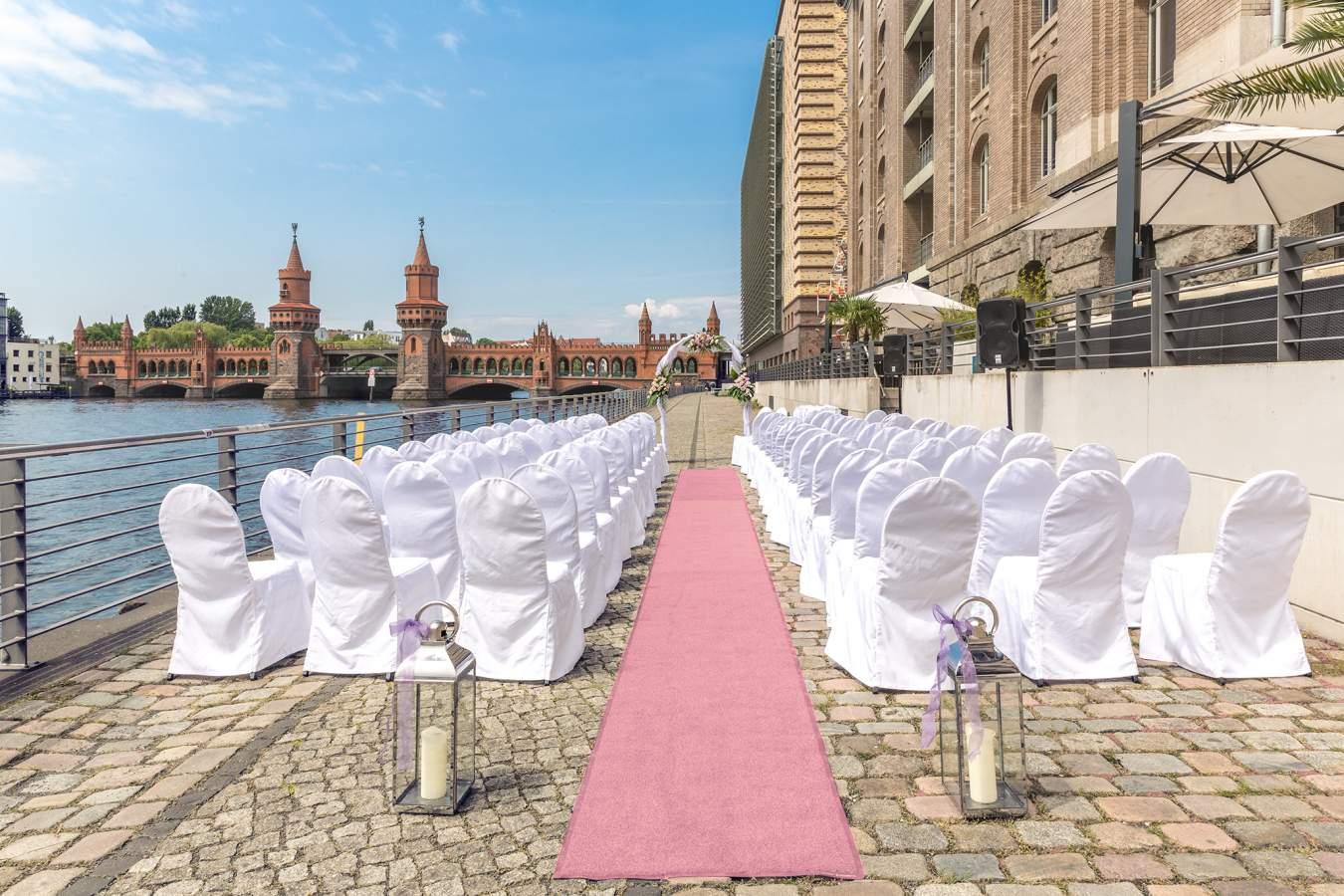 Hochzeitslocation Am Wasser Der Spreespeicher In Berlin